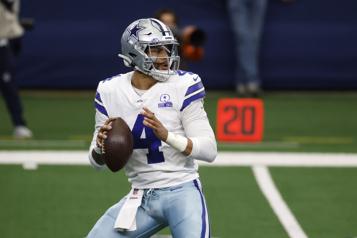 NFL Dak Prescott s'entend avec les Cowboys de Dallas)