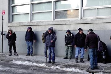 Hiver précoce: les refuges pour sans-abri pleins à craquer