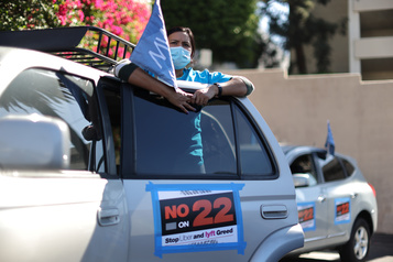 Uber en Californie Les chauffeurs divisés sur le référendum devant déterminer leur avenir)