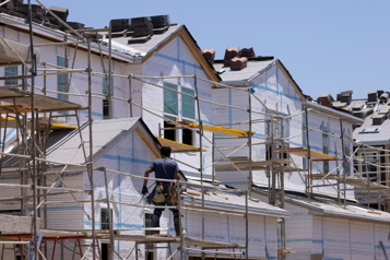 Hausse des ventes de maisons neuves plus forte qu'attendu aux États-Unis)