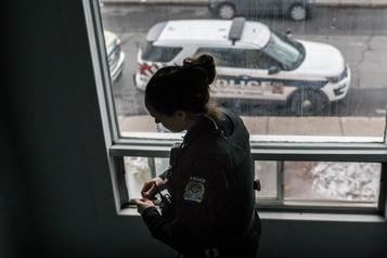 Livre vert sur la réalité policière Les policiers crient àl'aide)