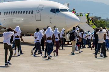 Expulsés du Texas, les Haïtiens en colère et angoissés face aux gangs)