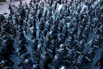 Arrestations, interdiction des rassemblements La Thaïlande durcit le ton face au mouvement prodémocratie)