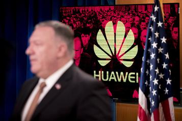 Washington sanctionne des employés de Huawei, Pompeo au Royaume-Uni)