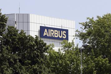 Dans le rouge, Airbus se dit armé pour surmonter la crise)