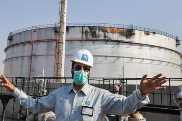 Arabie saoudite Un «grand trou» dans un réservoir d'Aramco après une attaque des Houthis)