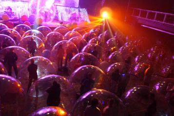 COVID-19: chacun dans sa bulle!)
