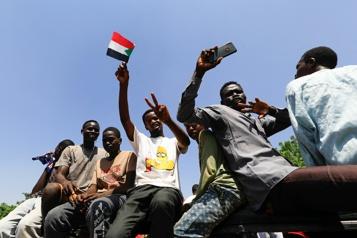 Soudan Des milliers de manifestants pro-armée réclament la chute du gouvernement