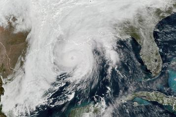 L'ouragan Zeta a touché terre près de La Nouvelle-Orléans)