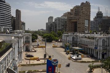 Inde L'épidémie flambe, NewDelhi et les grandes villes confinées pour le week-end)