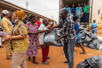 En Afrique subsaharienne, la pandémie complique l'aide humanitaire)