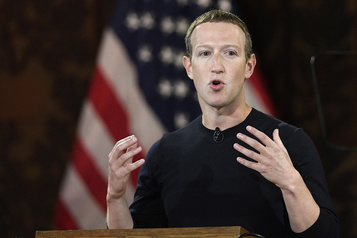 Sénat américain Les républicains votent pour convoquer les patrons de Facebook et Twitter)