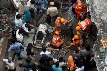 Effondrement d'un immeuble en Inde: au moins 26 morts)