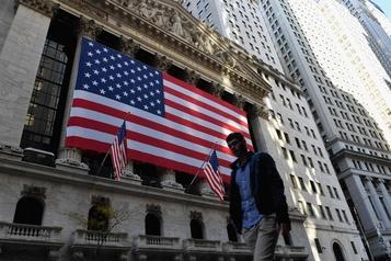 Wall Street termine dans le vert sur les espoirs d'une relance américaine)
