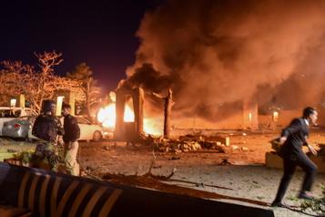Pakistan Une bombe fait quatre morts à l'hôtel où séjournait l'ambassadeur de Chine)