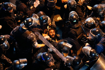 Liban: libération de dizaines de manifestants, nouveaux rassemblements