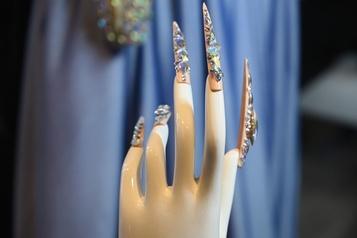 Jenny Bui, reine des ongles-bijoux