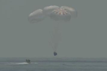 SpaceX a ramené sur Terre deux astronautes pour la première fois)