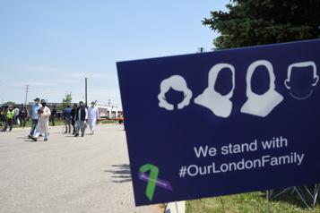 Tragédie de London L'accusé est de retour en cour)