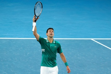 Internationaux d'Australie Novak Djokovic lie les blessures à la quarantaine)