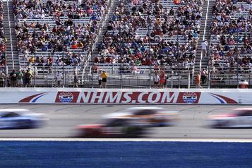 Des amateurs assisteront à l'épreuve de NASCAR au New Hampshire)