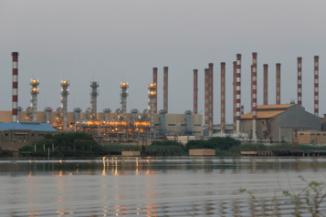 Le pétrole profite de négociations difficiles avec l'Iran)