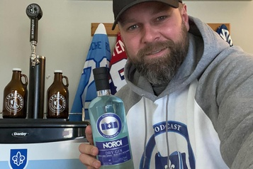 Un gin pour La Poche bleue)