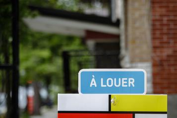 Des locataires occupent illégalement des logements, selon des propriétaires)