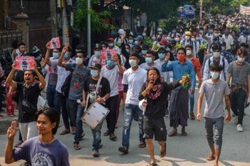Birmanie Nouvel An bouddhiste sous le signe de la résistance pour les opposants)