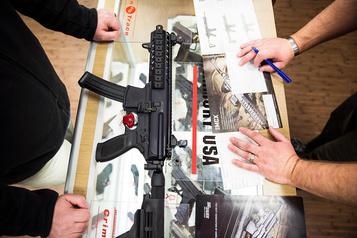 Les fusils d'assaut en ligne de mire aux États-Unis