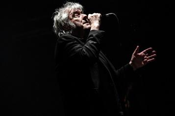 Traitement contre un cancer Contraint au repos, Arno annule ses concerts)