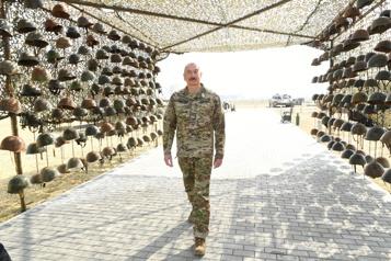 L'Arménie furieuse d'une exposition de trophées de guerre en Azerbaïdjan)