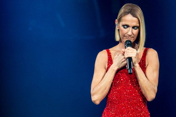 Céline Dion dédie son spectacle à samère