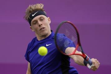 Tournoi du Queen's Denis Shapovalov passe en quarts de finale)