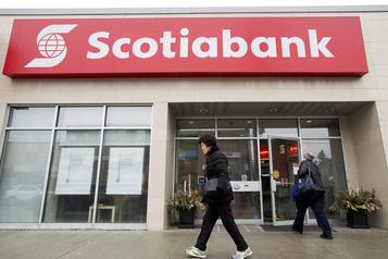 Le profit de la Banque Scotia recule avec les provisions pour mauvaises créances)