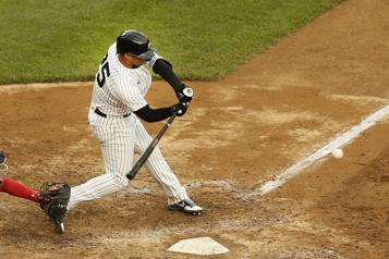 Les cas de COVID-19 chez les Yankees se multiplient)
