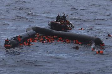 Méditerranée: 41 personnes portées disparues après un naufrage)