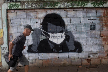 Jair Bolsonaro, obstacle à la lutte contre la COVID-19