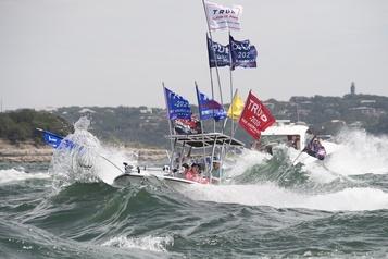 Une flottille en soutien à Donald Trump prend l'eau au Texas)