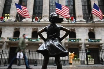 Wall Street en solide hausse après son meilleur mois depuis 1987)