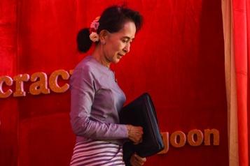 Birmanie Aung San Suu Kyi sera jugée en octobre pour corruption)