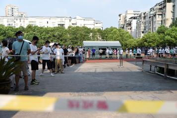 COVID-19 La Chine restreint les déplacements à l'étranger pour ses ressortissants)