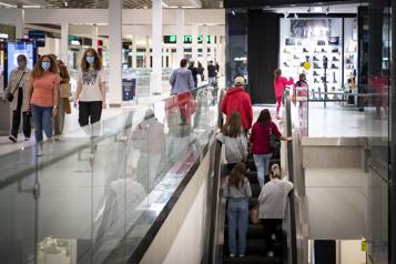 Centres commerciaux Les consommateurs sont de retour