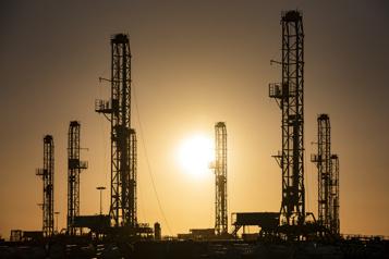 Le pétrole au ralenti après les stocks américains)