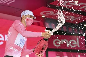 Tour d'Italie Attila Valter garde le maillot rose, Victor Lafay remporte la huitième étape)