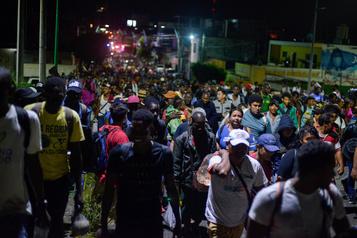 Mexique: dispersion d'un convoi de 2000clandestins qui demandait l'aide du président