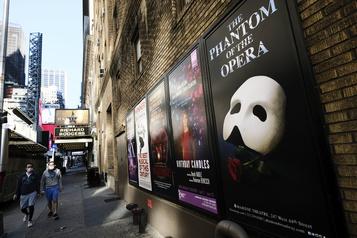 Les théâtres de Broadway fermés jusqu'à la fin mai)