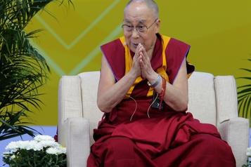 Le dalaï-lama appelle le monde à en faire plus pour l'environnement)