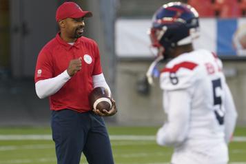 Changements d'entraîneurs chez les Alouettes Khari Jones: «C'était la décision à prendre» )