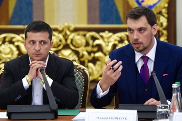 Ukraine: Zelensky refuse la démission de son premier ministre
